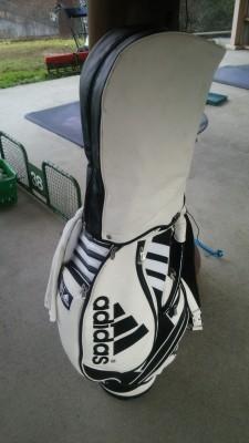 ゴルフバックアディダス1