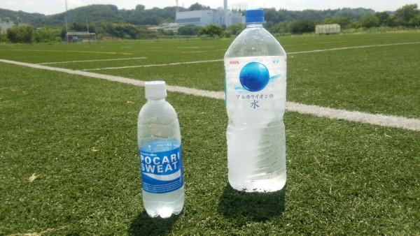 熱中症_飲み物_ポカリと水1
